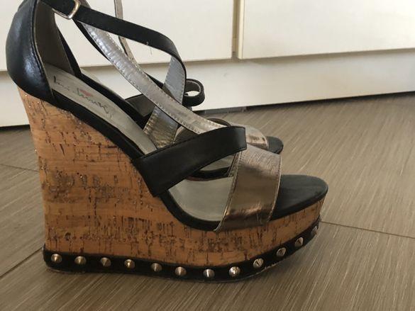 Обувки сандали