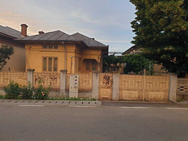 Casa locuibila de vanzare