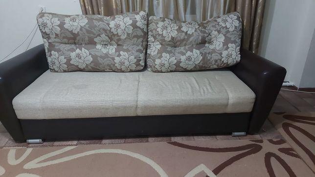 Продам мягкий уголок,  диван