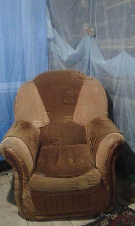 Продам диван и 2 кресла. Самовызов