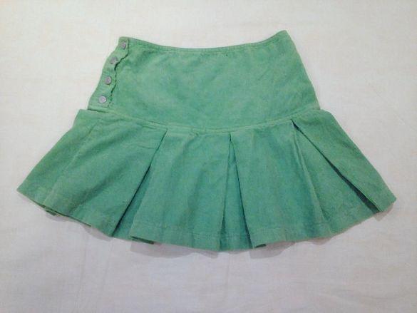 Детска маркова зелена ( електрикова) пола, марка Benetton.