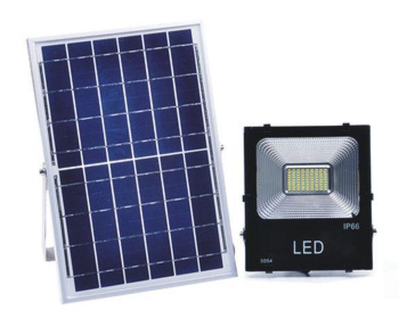 ХИТ ПРОМОЦИЯ! 30/50/100W LED соларно-акумулаторен прожектор