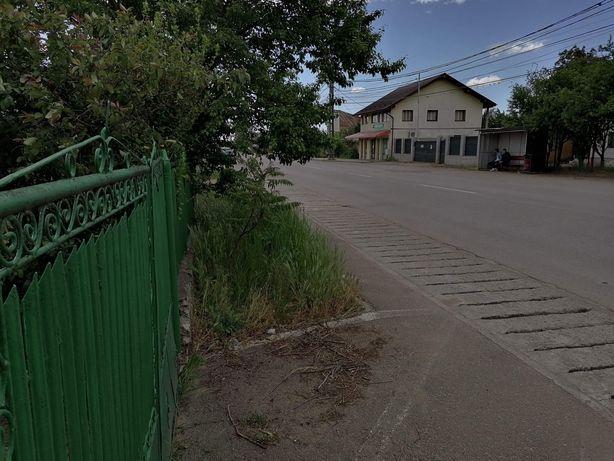 Vand casa  bătrânească cu teren intravilan, total 2221 m²