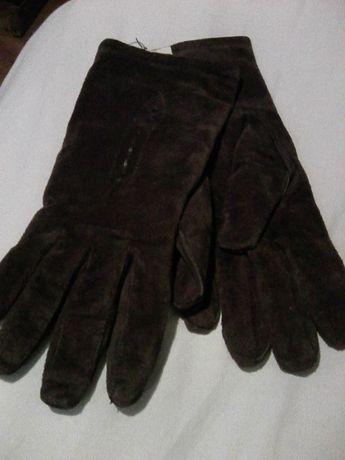 Продавам дамски вилурени ръкавици