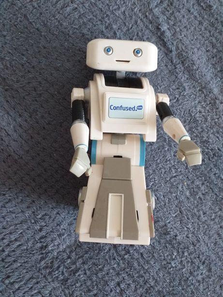 Robotul BRI4N Confused