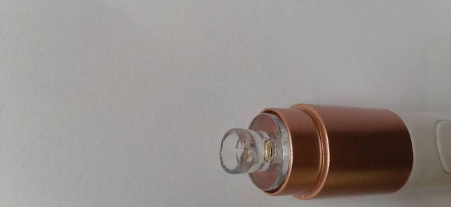 Dispozitiv electric pentru curățarea porilor