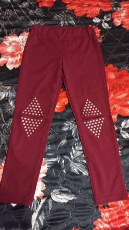 Вишнево червен панталон