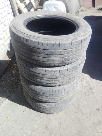 Продам шины 235 60 R17