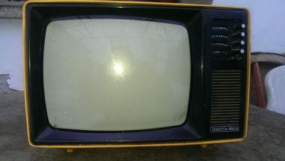 Телевизори Юност 402В