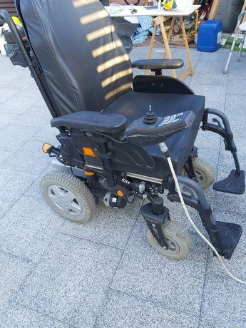 Carucior electric ptr per cu dizabilități