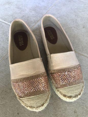 Платнени обувки за лятото