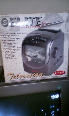 Телевизорче на 12 и 220 волта