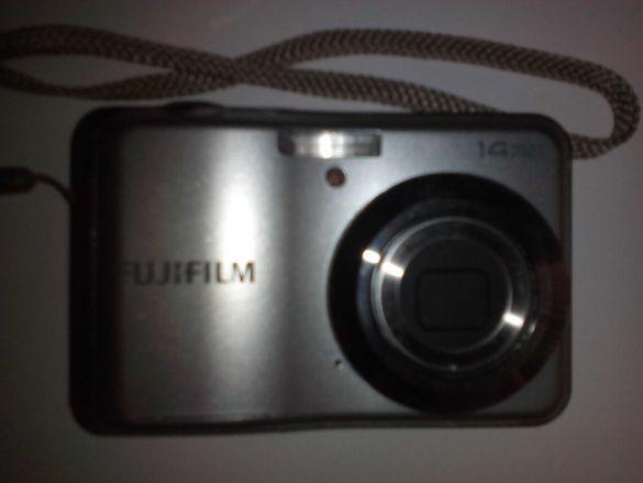 Запазен цифров фотоапарат Fuji film 14 отлично състояние без батерии
