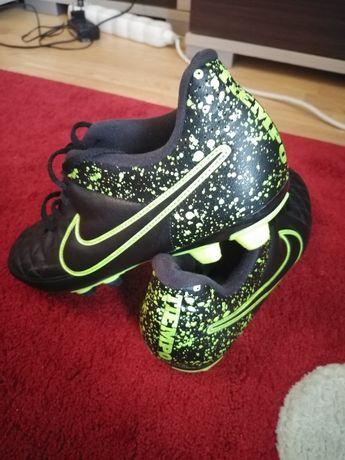 Ghete fotbal Nike nr. 42
