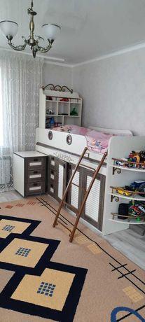 срочно продам детскую кровать в морском стиле