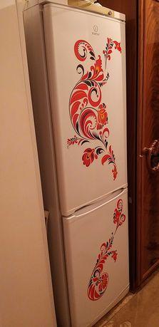 Продаётся холодильник INDESIT
