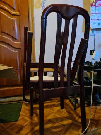 Продаю деревянные стулья