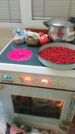 Висок клас печка с керамични котлони на Ceran и електронно управление