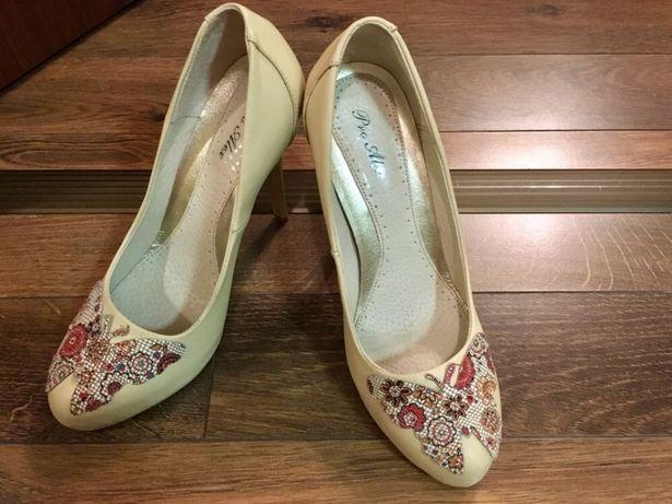 Pantofi piele marimea 36