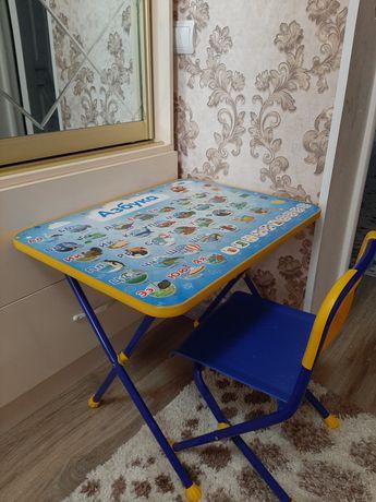 Срочно Детский столик со стульям