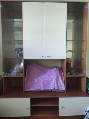 Шкаф сервант для посуды с местом под телевизор