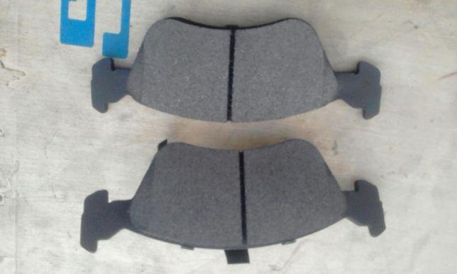 Колодки передние на Тойота Авенсис 97-2003 годов