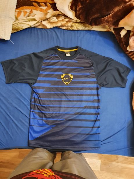 Vand tricou Nike