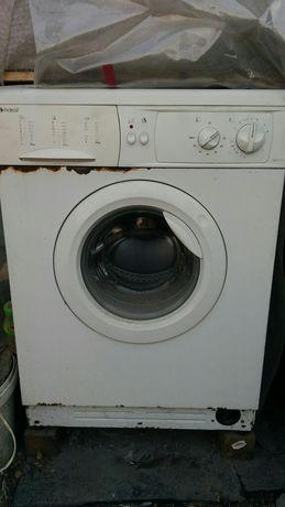 Vând mașină de spălat și frigider funcționale la piese cu defecțiuni