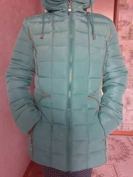 Зимняя куртка 44-46 небольшой торг