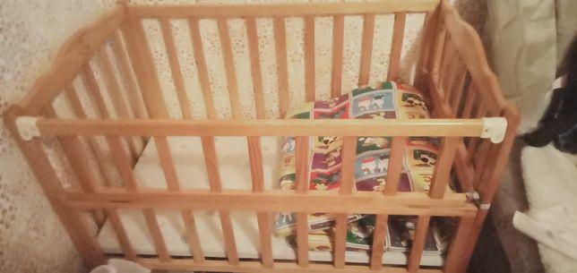Продается кроватка детская +бонусы для,вас