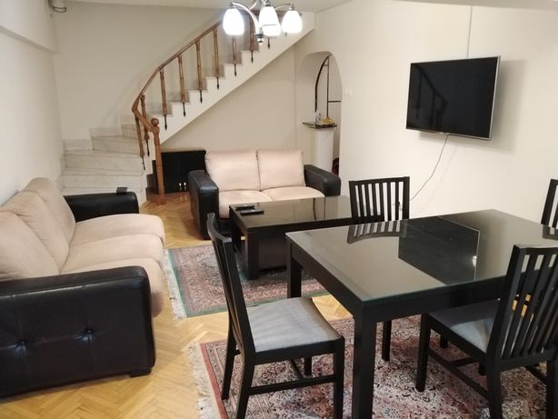 Apartament cu 5 camere central, de închiriat