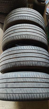 Michelin 235/45/R17