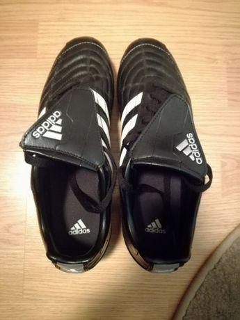 Ghete de fotbal Adidas Puntero