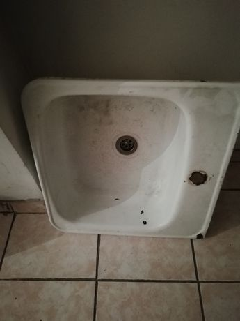 Кухонная эмалированная стальная Мойка-раковина белая  с креплением