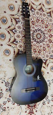 Гитара Madina в хорошем состоянии