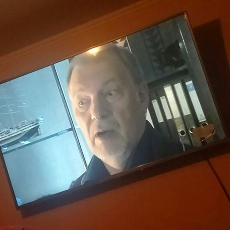 Хороший большой телевизор