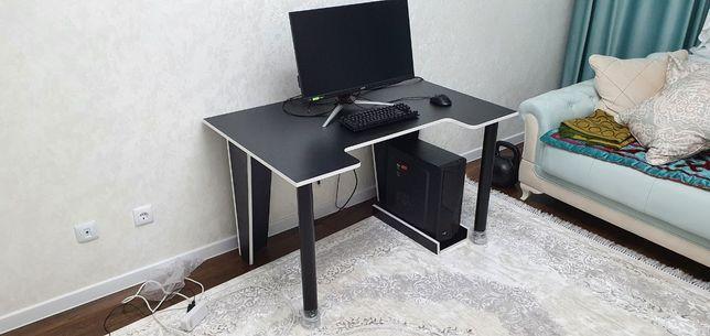 Геймерский стол (новый)
