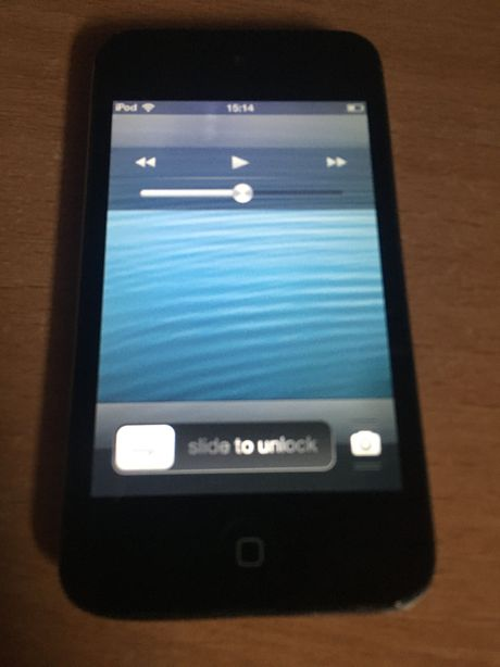 iPod touch a 4-a generatie 8gb