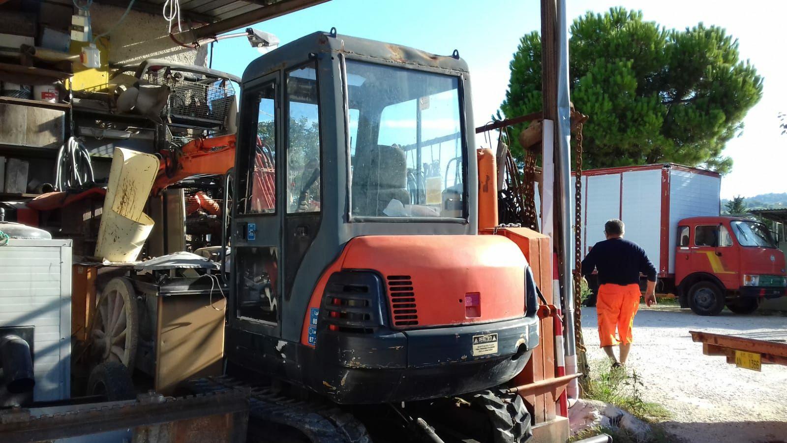 Excavator Kubota 2.7 tone