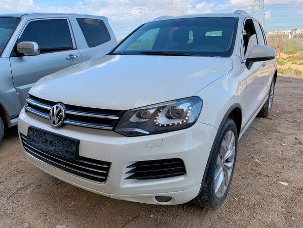 Dezmembrez Volkswagen Touareg 3.0tdi 2013 CASA CRC