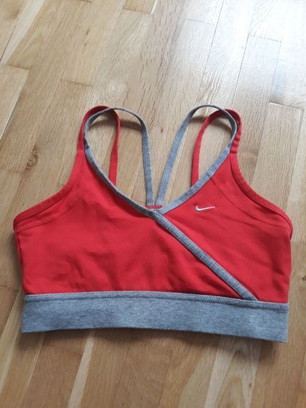 Спортен сутиен / фитнес топ Nike