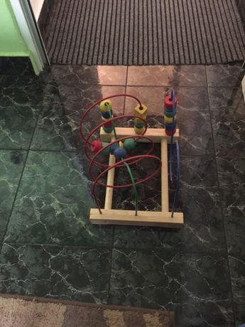 Дървена играчка лабиринт