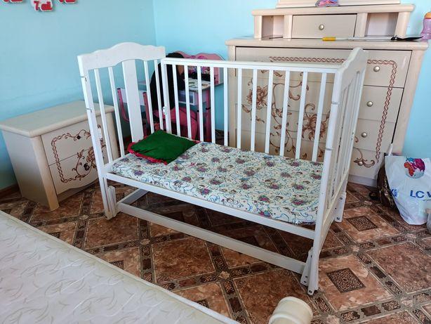 Манеж детский для ребенка