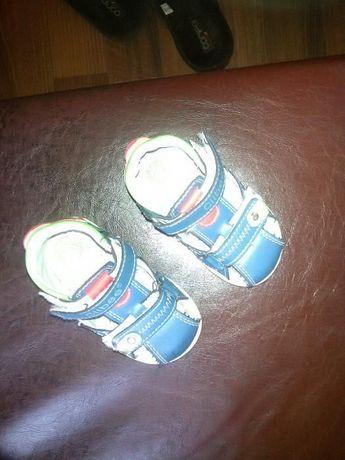 Детски кожени сандали