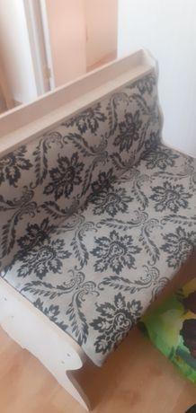 Продам недорого диванчик для кухни