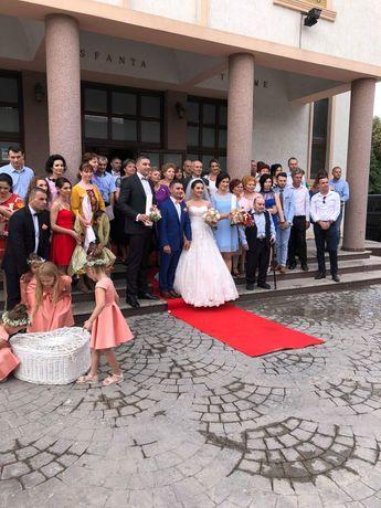 Închiriez Porumbei albi pt nunti,covor roșu 10m