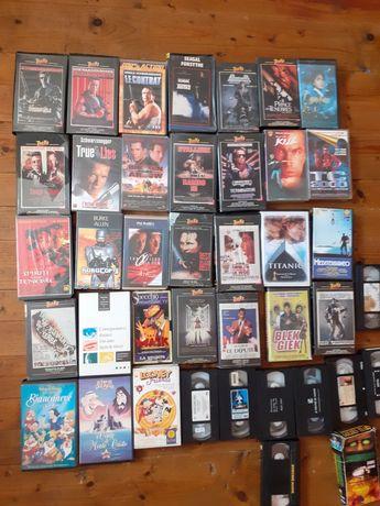 cassete video noi cu copertă originallă cu diferite filme de actiune