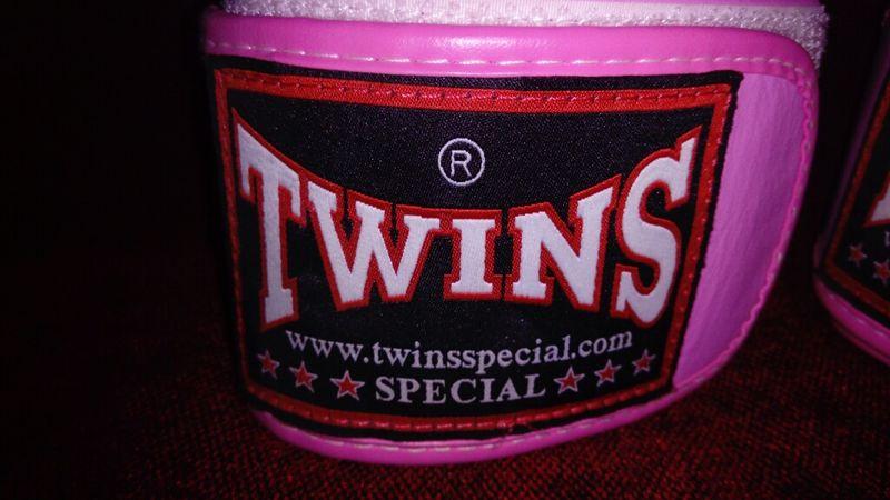 TWINS original Hand Made Thailand с. Крумово - image 1