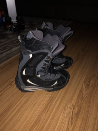 Boots snowboard 32-34 impecabili