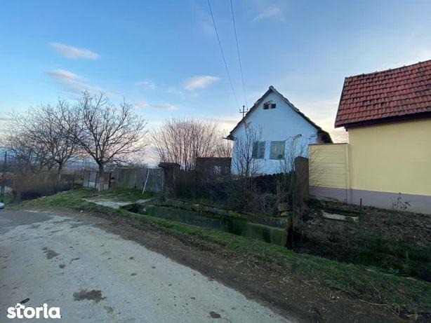 Casa demolabila zona BEIUS Feneris teren 1710 mp canal apa asfalt